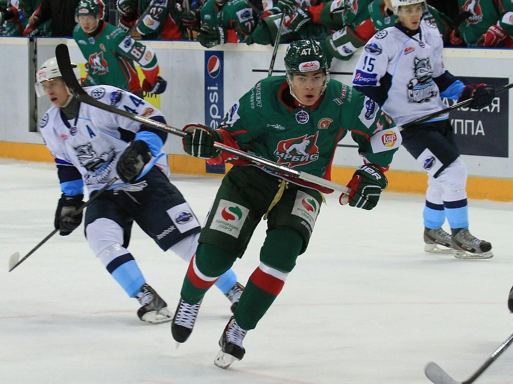 Российская молодежка вырвала победу у сборной OHL и вышла вперед в серии